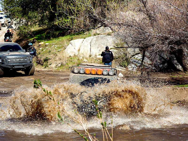 100k Can-Am X3 x RS crossing a creek